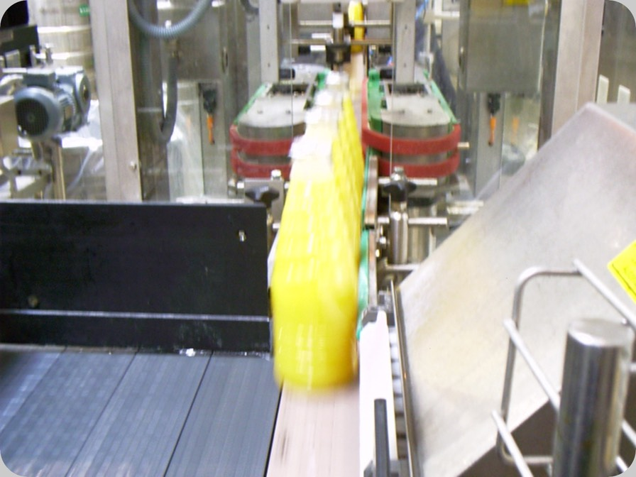 Aseptic filled beverages squeezing control